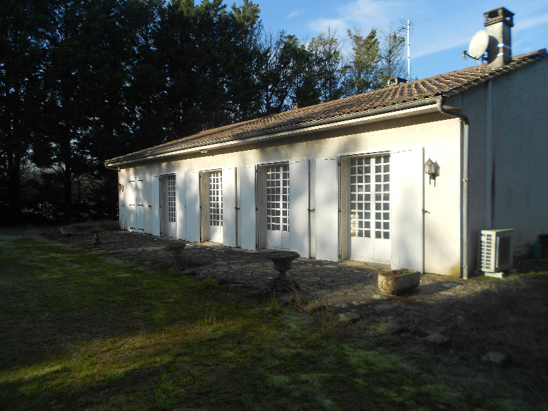 annonce vente maison saint denis de pile 33910 170 m 179 000 992745896096. Black Bedroom Furniture Sets. Home Design Ideas